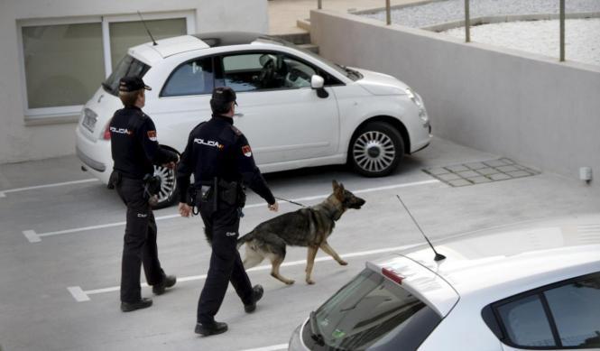 Nationalpolizisten während der Aktion gegen Pascual Bibiloni im Jahr 2015.