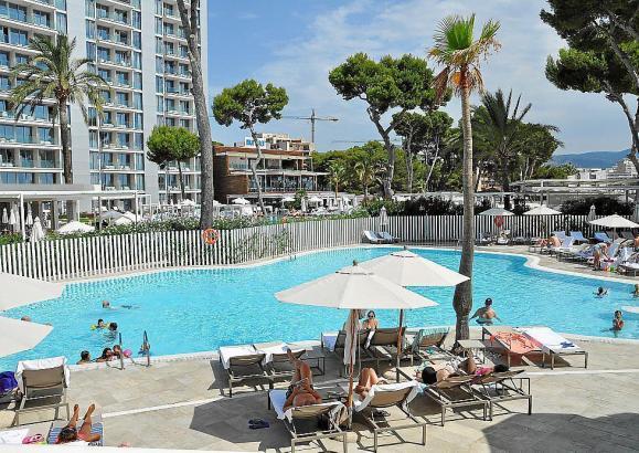 Hotelpool auf Mallorca.