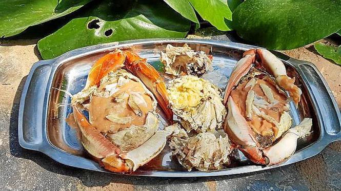MENORCA. GASTRONOMIA. La cocina se destapa como una opción para frenar el avance del cangrejo azul.