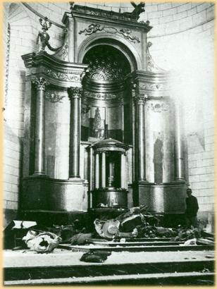 Zerstörung in der Kirche von Son Carrió