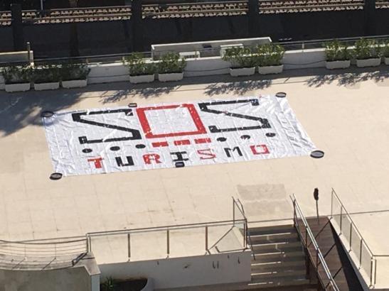 Am Freitag beginnt auf Mallorca die Aktion SOS-Tourismus. Besonders Hoteliers wollen mit Plakaten auf ihre prekäre Situation aufmerksam machen.