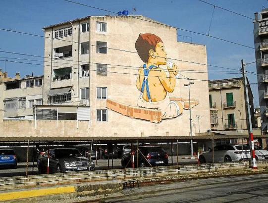 Man findet auf Mallorca einige Wandbilder des Künstlers Joan Aguiló. Dieses hier befindet sich nahe der Plaça d'Espanya in Palma.
