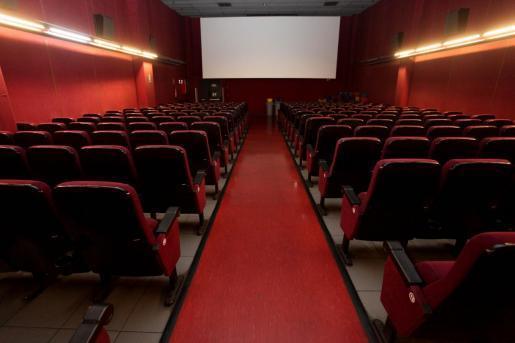 Kino und Theater dürfen wieder mehr Zuschauer einlassen.