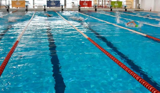 Ab Dienstag dürfen öffentliche Schwimmbäder wieder öffnen.