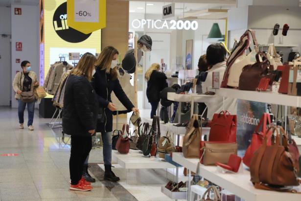 Derzeit ist in Einkaufszentren eine Besucherkapazität von 30 Prozent gestattet.