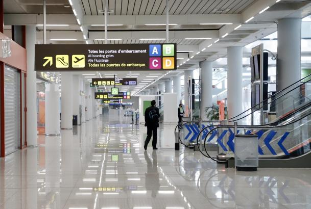 Leere an Palmas Flughafen: Bald soll in der Abfertigungshalle ein Testzentrum entstehen.