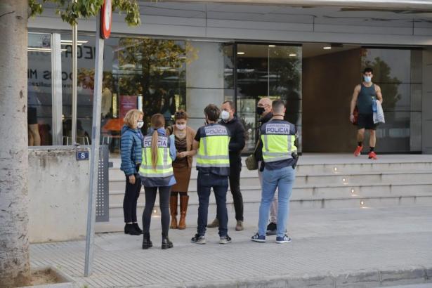 Die Polizei kontrollierte mehrere Fitnessstudios.