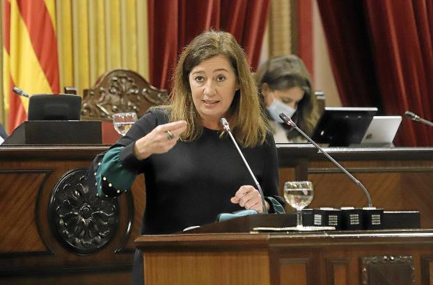 Francina Armengol will die touristische Sommersaison auf Mallorca und den anderen balearischen Inseln retten und reist für Gespräche nach Madrid.