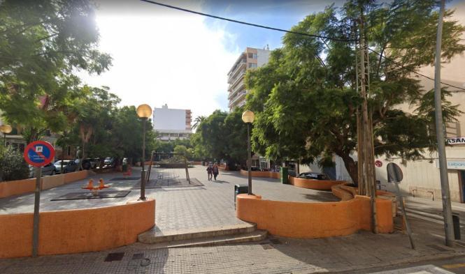 Der Platz Reina María Cristina befindet sich in S'Arenal.