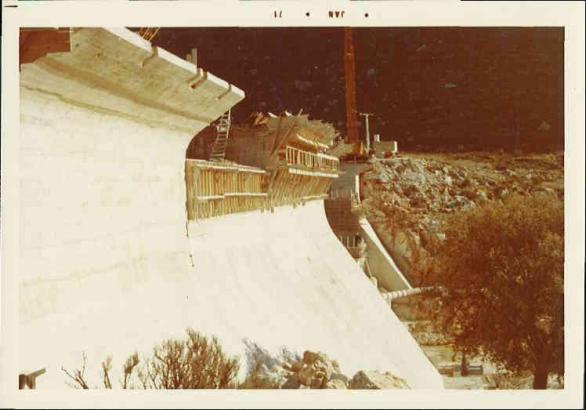 Bau der Staumauer Gorg Blau