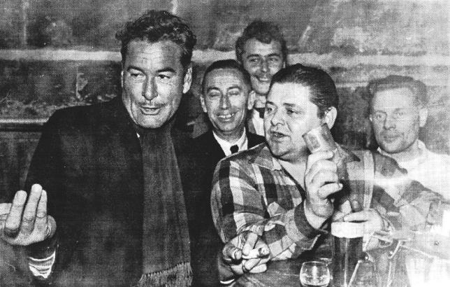 Errol Flynn, Bargründer Rudi