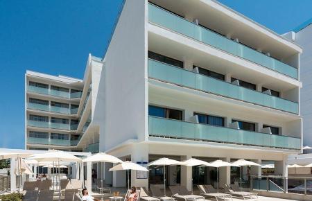 Das Allsun-Hotel Riviera Playa auf Mallorca: Von Herbst an dürfen hier nur noch Geimpfte Urlaub machen.