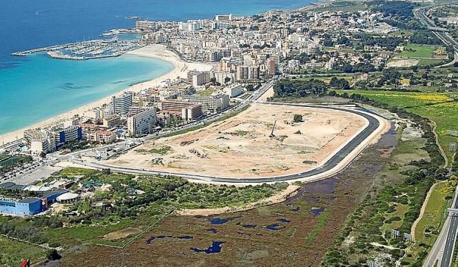 Erste Bauarbeiten fanden auf dem mehr als 30 Hektar großen Grundstück bereits statt.