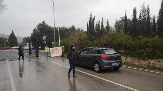 Die Fahrbahn rund um die UIB und der Landstraße Valldemossa wurden zeitweise blockiert.