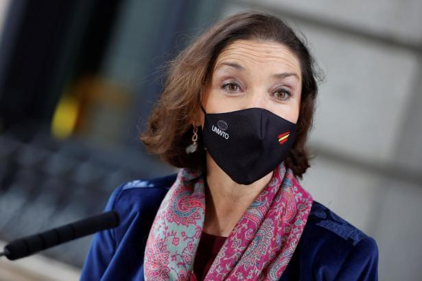 Die spanische Tourismusministerin Reyes Maroto macht bei der Europäischen Union Druck für sogenannte Reisekorridore.