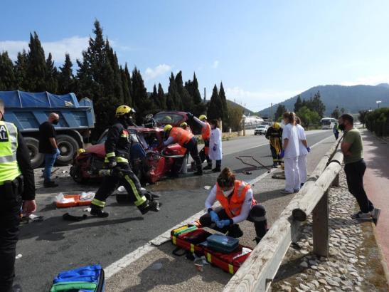 Der Unfall ereignete sich gegen 12:30 Uhr.