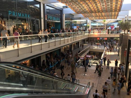 Blick in das FAN-Einkaufszentrum in Palma.