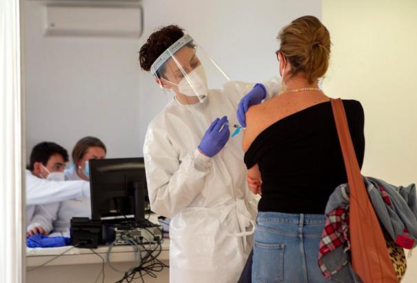Im März werden weitere Impfstoff-Lieferungen auf Mallorca erwartet.