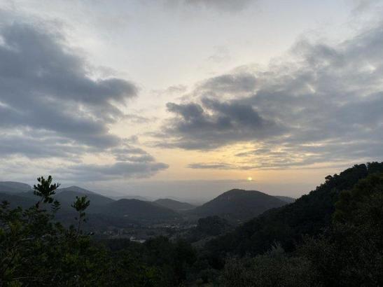 """Bei """"Calima""""-Wetterlage ist der Himmel leicht bis ausgesprochen milchig."""