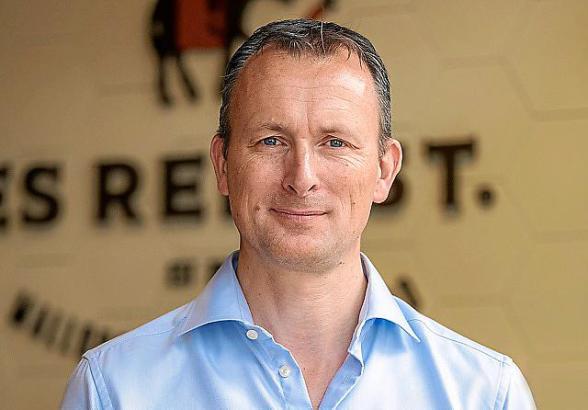 Helmut Clemens ist 50 Jahre alt und Vizepräsident des Verbandes Pimem, der auch Restaurants auf Mallorca vertritt. Außerdem ist er Geschäftsführer der Restaurant-Marke Es Rebost.