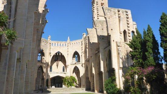 Die unvollendete Kirche von Son Servera.