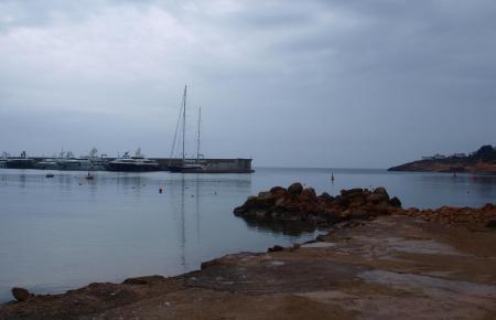 Seit Sonntag ist es auf der Insel bewölkt und regnerisch.