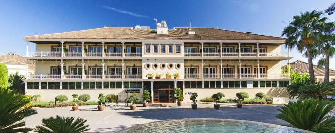 Blick auf das Lindner-Hotel.