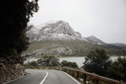 In der Serra de Tramuntana hat es geschneit.