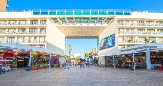 Das von Briten gern aufgesuchte Hotel Calvià-Beach in Magaluf.