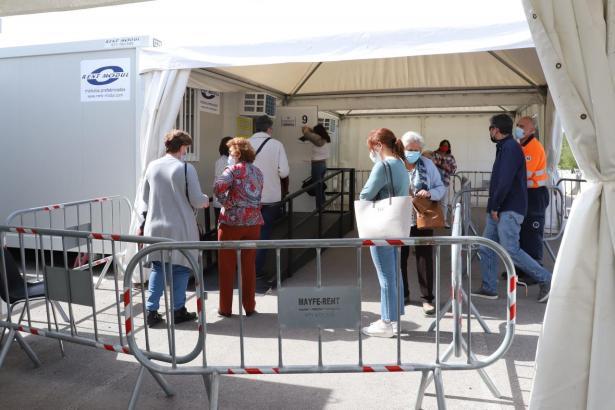 Im Krankenhaus Son Dureta in Palma sollen weiterhin Massenimpfungen durchgeführt werden.