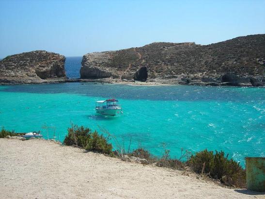 Auch vor Malta gibt es türkisblaues Wasser.