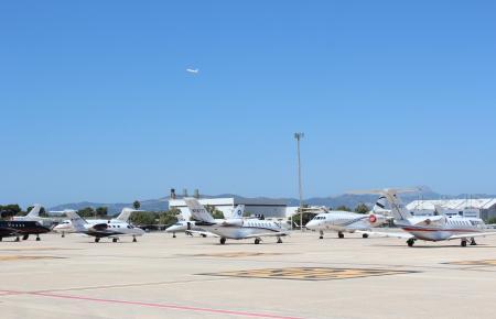 Privatflieger auf dem Airport Son Sant Joan.