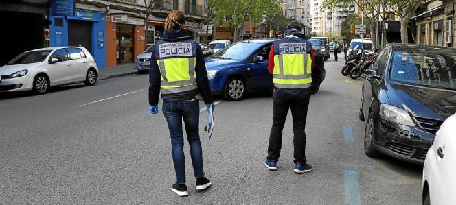 Die zwei Entführer wurden von der Polizei festgenommen.