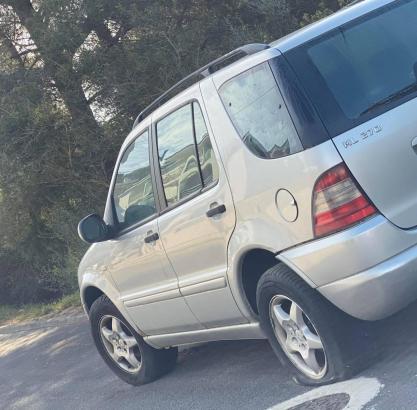 Mehrere Autoreifen wurden in Santa Ponça zerstochen.