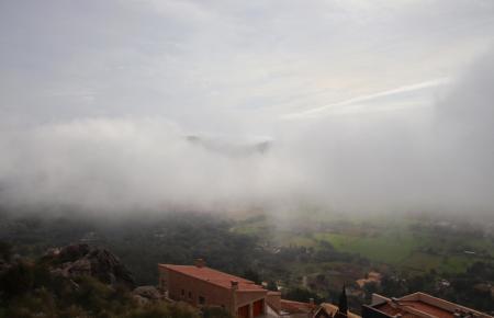 Nebelschwaden über Mallorca.