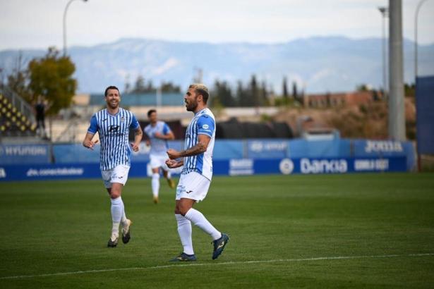 Hier bejubelt José Peris sein 1:0 gegen Mérida.