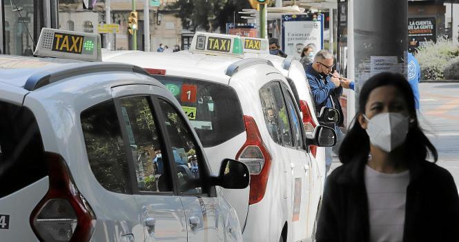 Taxifahrer gehören zu den Gruppen, die von der Krise besonders betroffen sind.