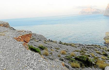 So sieht das Landstück nahe der Cala Sant Vicenç aus.