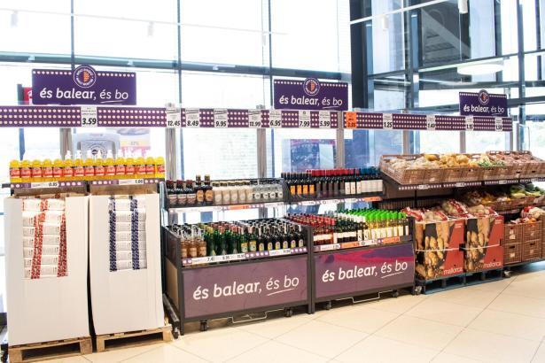 So werden Balearen-Produkte in den Lidl-Märkten auf Mallorca präsentiert.