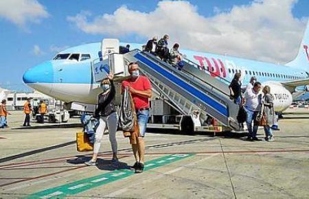 Tuifly-Jet auf dem Airport von Mallorca.