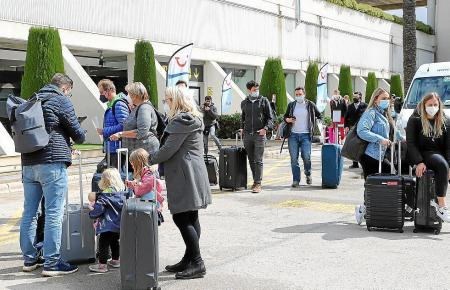 Urlauber können weiterhin Reisen bis 14 Tage vor Abreise kostenlos stornieren oder umbuchen.