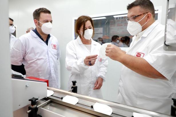 Auf Mallorca werden nun FFP2-Masken hergestellt.