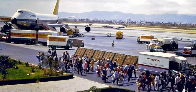 Der Condor-Jumbo auf dem Flugfeld des Airports Son Sant Joan.