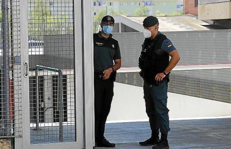 Zwei Beamte der Guardia Civil hatten das rabiate Ehepaar festgenommen.