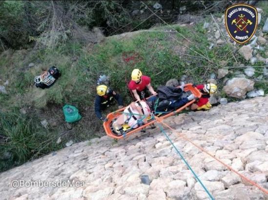 Die Rettung des Verletzten bei Banyalbufar wurde von Mitgliedern der Bergwacht und der Feuerwehr durchgeführt.