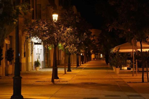 Leere Straßen in Palma während der Ausgangssperre.