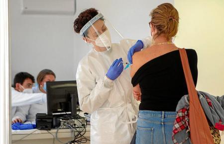 Der Weg zum Impftermin beginnt mit dem Ausfüllen eines Online-Formulars.
