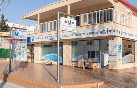 Auch das deutsche Facharztzentrum Paguera – hier die Niederlassung in Santa Ponça – senkt seine Preise.