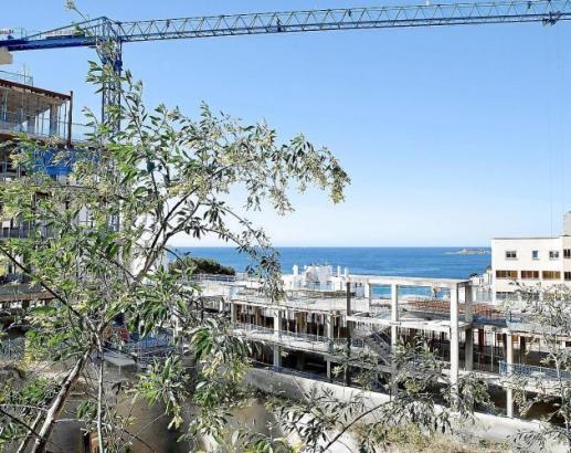 Es wird kräftig gebaut in Cala Major.