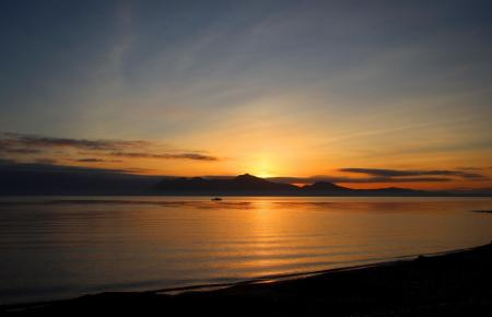 Solche Sonnenuntergänge wird es in den nächsten Tagen auf Mallorca öfters geben. Das Wetter bleibt sommerlich.